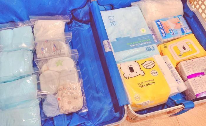 Chỉ còn hơn 1 tháng nữa là lâm bồn nên những ngày gần đây Lan Khuê cũng đã chia sẻ tâm trạng háo hức của mình khi chuẩn bị đồ đạc cho con trai sắp chào đời