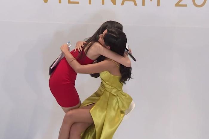 Tập 1 Miss Universe Vietnam: Thúy Vân bị soi vì xuất hiện như celeb, Tường Linh  Hương Ly bật khóc? ảnh 2
