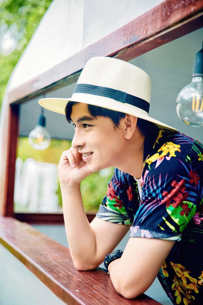 Chân dung chàng diễn viên 9X đa tài của màn ảnh Việt, được mệnh danh là bạn thân quốc dân ảnh 7