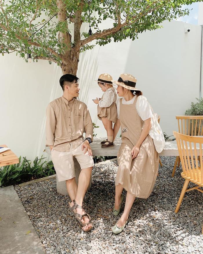 Gia đình nhỏ diện quần áo mix-match khiến ai cũng muốn có ngay một đứa con để cùng nhau đi du lịch ảnh 1