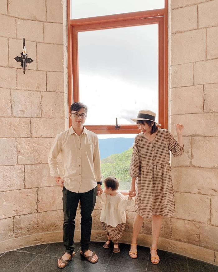 Gia đình nhỏ diện quần áo mix-match khiến ai cũng muốn có ngay một đứa con để cùng nhau đi du lịch ảnh 7