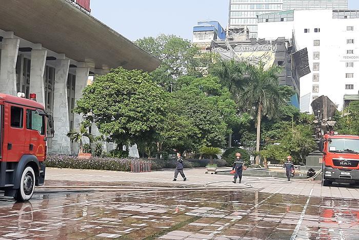 Cung Việt Xô cháy, liveshow Quang Hà hoãn gấp trước giờ G: E-kip lên tiếng đưa ra cách giải quyết ảnh 2