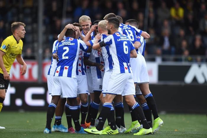 Đoàn Văn Hậu tiếp tục không được ra sân ở Heerenveen.
