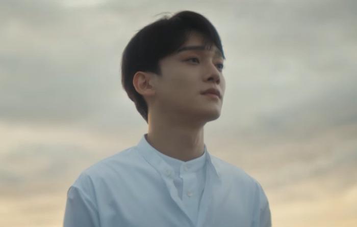 Gương mặt luôn vương vấn u buồn của Chen.