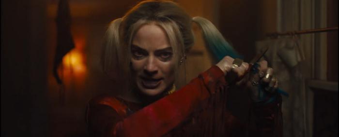Harley Quinn học hỏi Như Ý cắt tóc chia tay người yêu.