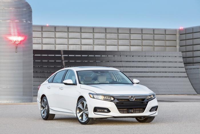 Honda Accord 2019 ngắn hơn về chiều dài tổng thể nhưng lại tăng đáng kể 55 mm chiều dài cơ sở.