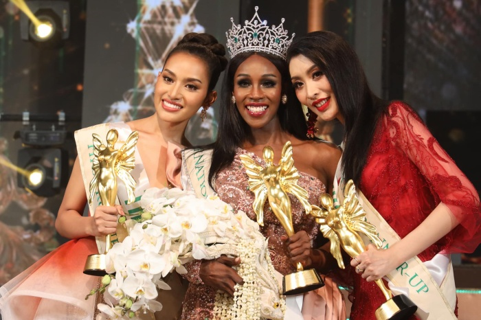 Hoa hậu chuyển giới Quốc tế Jazell đáp trả cực gắt khi fan Việt khen Hương Giang đẹp hơn ảnh 3