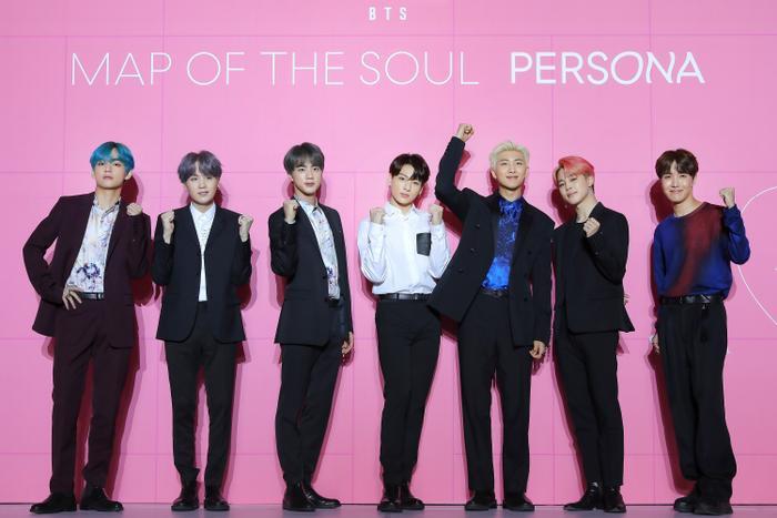 BTS đã xuất sắc giành lại ngôi vương BXH World Album trên Billboard tuần này.
