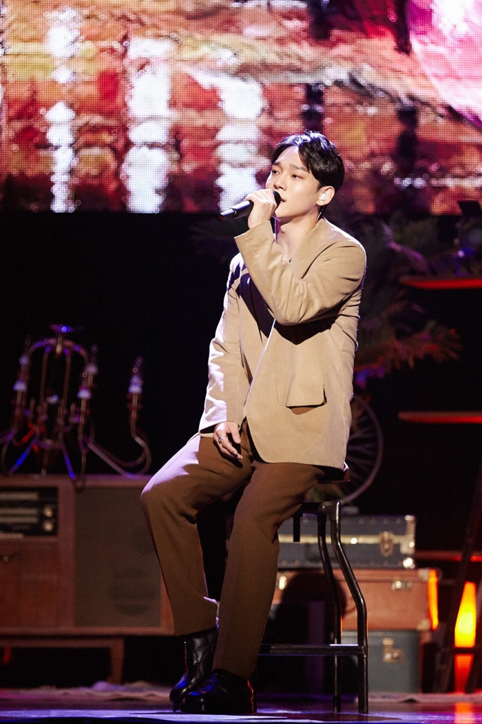 Chen tiết lộ lí doSehun trở thành MC đặc biệt cho showcase comeback solo khiến fan không khỏi trầm trồ.