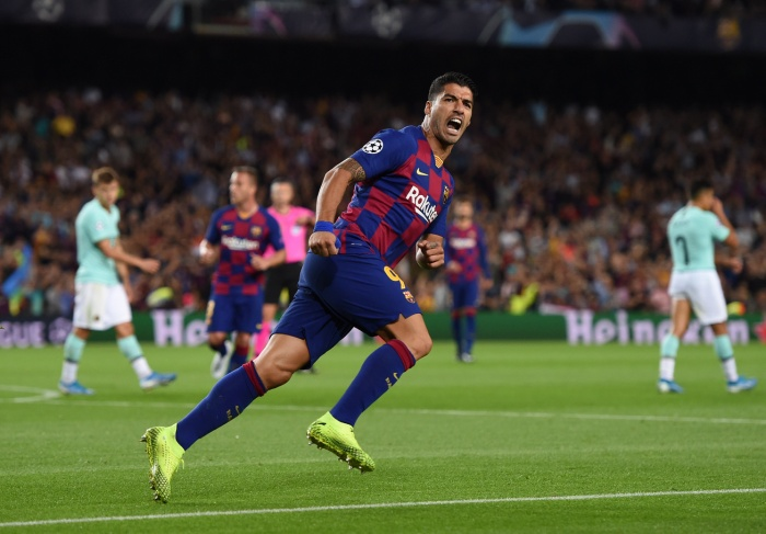 Luis Suarez hoàn thành cú đúp giúp Barca có màn lội ngược dòng ấn tượng.