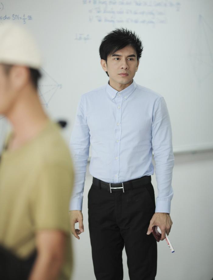 Vừa là thầy giáo vừa là phụ huynh, anh Bo sẽ phải cân não với những cảnh diễn xuất giằng xé nội tâm