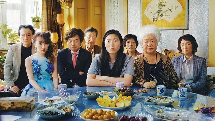 The Farewell: 10 điều bộ phim làm tốt hơn so với tác phẩm Crazy Rich Asians