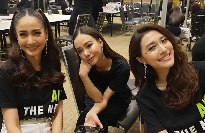 Bộ 3 thân thiết Taew Natapohn, Mew Nittha và Toey Jarin phía sau hậu trường
