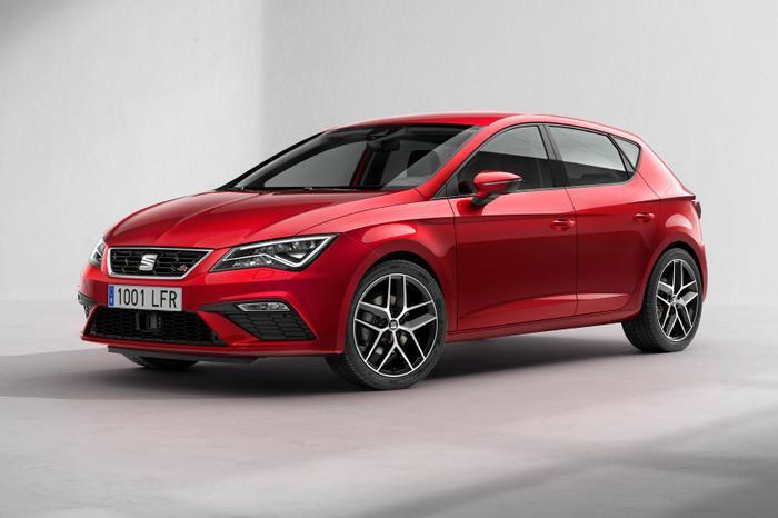 10. Seat Leon:Hãng SEAT được thành lập năm 1950 là một hãng xe của Tây Ban Nha, các mẫu xe của SEAT khá nổi tiếng ở các thị trường khu vực Châu Âu. Năm 1986, SEAT chính thức trở thành một công ty con của Volkswagen Group. Dòng xe Leon của SEAT từng được Auto Express New Car Awards trao cho danh hiệu chiếc xe xuất sắc nhất năm 2013.