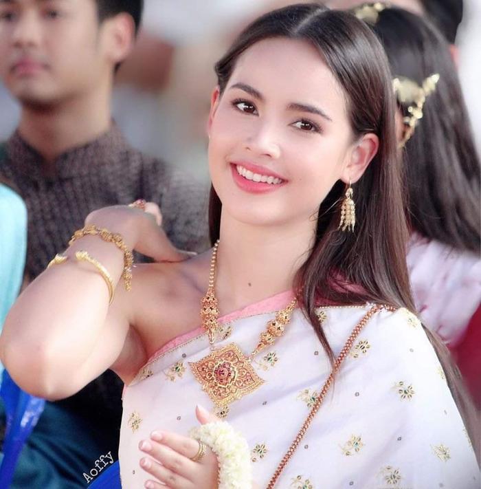Top 20 nghệ sĩ Thái Lan tăng follow nhiều nhất tháng 9/2019: Lisa vẫn giữ ngôi vị số 1, sự xuất hiện của nam thần Nadech Kugimiya vượt mặt các mỹ nhân ảnh 11