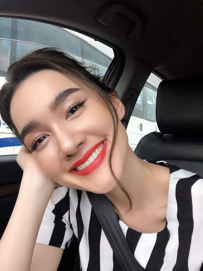Top 20 nghệ sĩ Thái Lan tăng follow nhiều nhất tháng 9/2019: Lisa vẫn giữ ngôi vị số 1, sự xuất hiện của nam thần Nadech Kugimiya vượt mặt các mỹ nhân ảnh 18