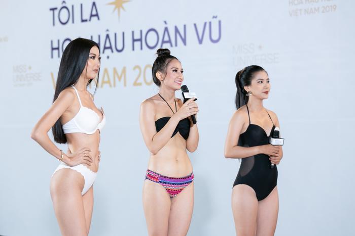 Thúy Vân khiến ban giám khảo khó chịu vì mang theo cả photographer riêng đi thi như là… một celeb.