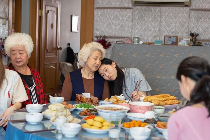 'The Farewell' - 'Cành cọ vàng' cho sự giao thoa văn hóa Mỹ - Trung?