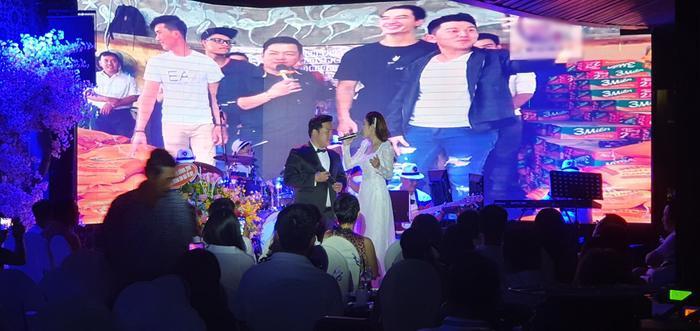Fan nhí vây kín ngọc nữ bolero Tố My đến nửa đêm không chịu về trong đêm nhạc tại Đà Nẵng ảnh 7
