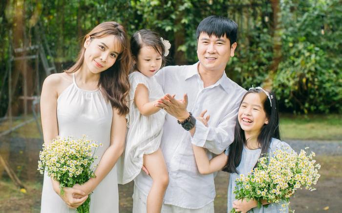 Lưu Hương Giang  Hồ Hoài Anh: Không chỉ là cặp đôi đẹp của showbiz Việt mà còn là những người thầy tận tâm của The Voice Kids ảnh 1