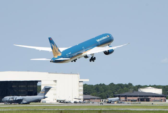Hành khách Vietnam Airlines có thể trải nghiệm dịch vụ Wi-Fi trên một số tàu bay Airbus A350 đường bay giữa Hà Nội - TP.HCM/Thượng Hải/Osaka và TP.HCM - Osaka/Singapore. (Ảnh:Vietnam Airlines)