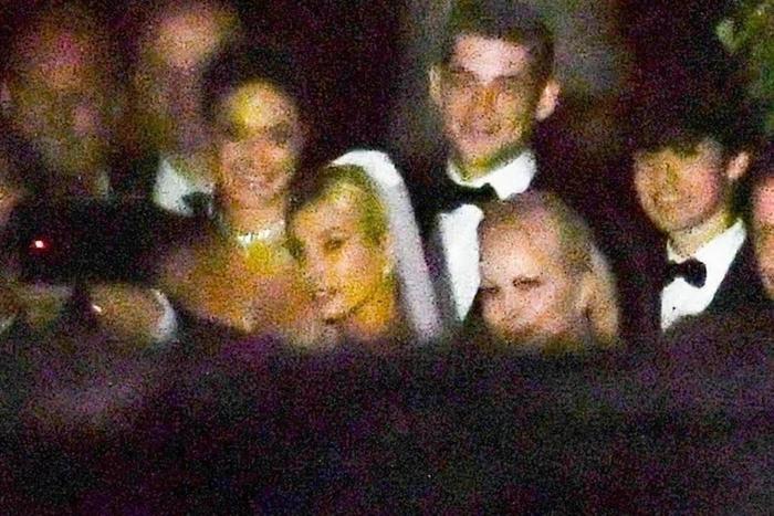Tiết lộ bộ ảnh cưới đẹp rụng rời của cặp vợ chồng son Justin Bieber  Hailey Baldwin ảnh 7