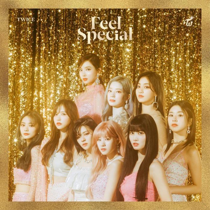 Mina cùng các thành viên Twice trong teaser Feel Special.