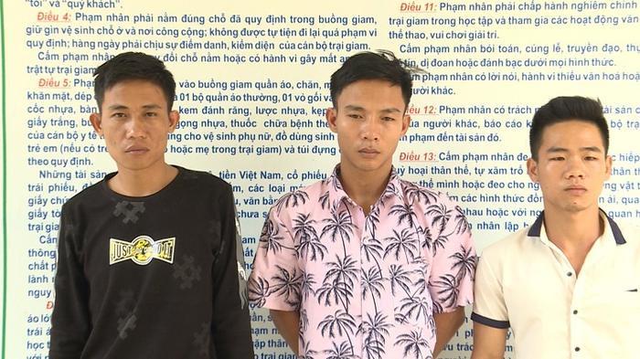 3 đối tượng bị bắt giữ tại cơ quan công an.
