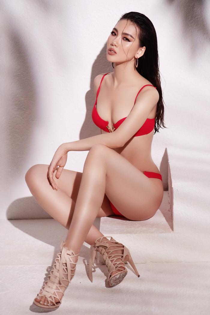 Siêu mẫu Quỳnh Hoa khiến người đối diện say như điếu đổ khi diện bikini ảnh 3
