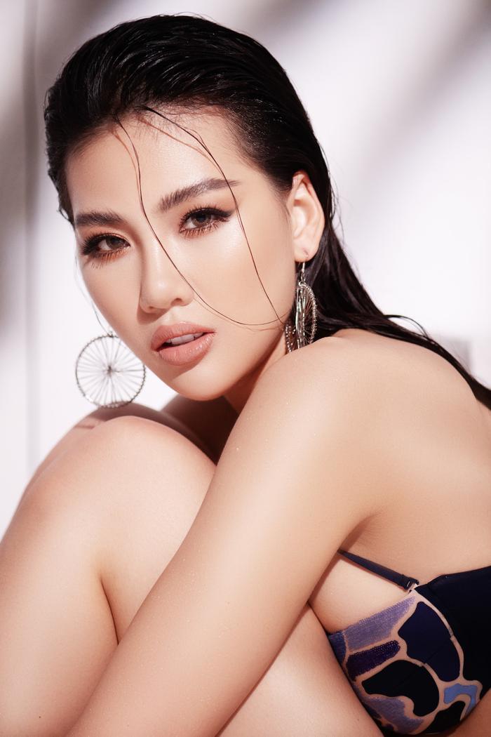 Siêu mẫu Quỳnh Hoa khiến người đối diện say như điếu đổ khi diện bikini ảnh 8