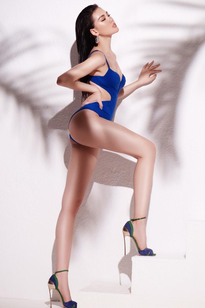 Siêu mẫu Quỳnh Hoa khiến người đối diện say như điếu đổ khi diện bikini ảnh 0