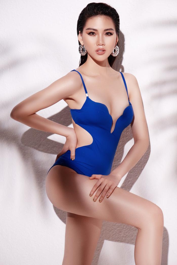 Siêu mẫu Quỳnh Hoa khiến người đối diện say như điếu đổ khi diện bikini ảnh 1