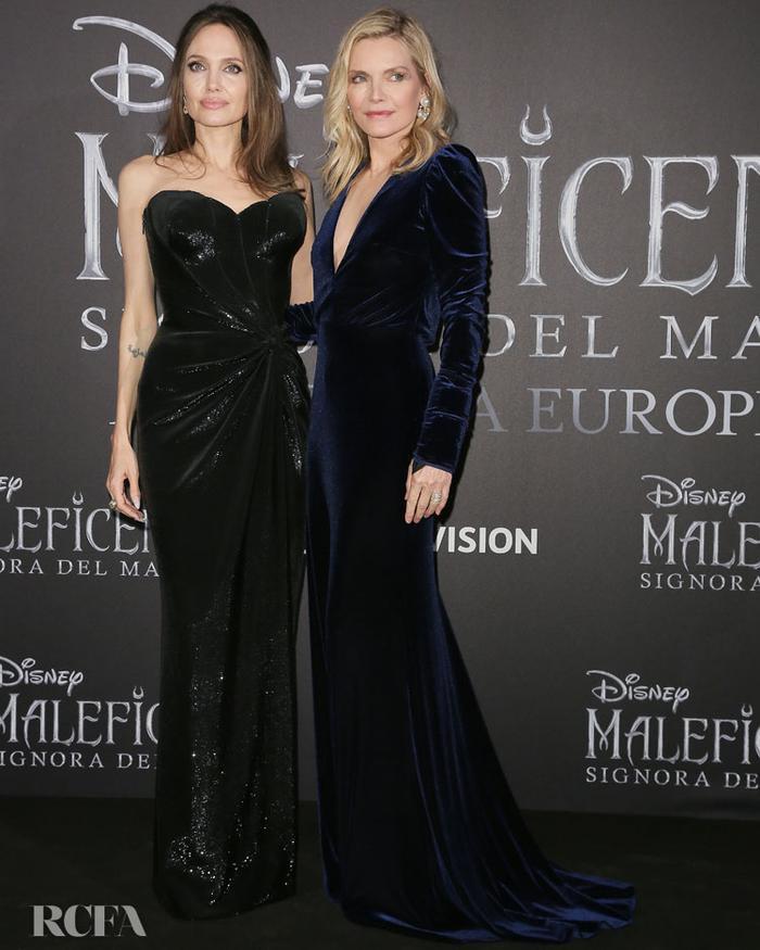 """Thần thái của Jolie trong từng khung hình nổi bật """"đánh bật' bất kì ai đứng gần cô"""