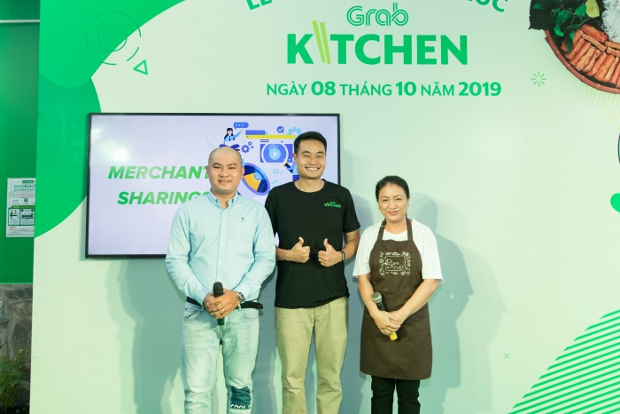 Với GrabKitchen, người dùng giờ đây đã có thể đặt hàng những món ăn yêu thích một cách nhanh chóng và tiện lợi qua mục GrabKitchen trên ứng dụng Grab.