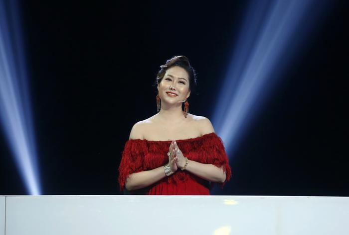 Phi Thanh Vân chia sẻ những khoảnh khắc cuộc đời ít ai biết trên sóng truyền hình