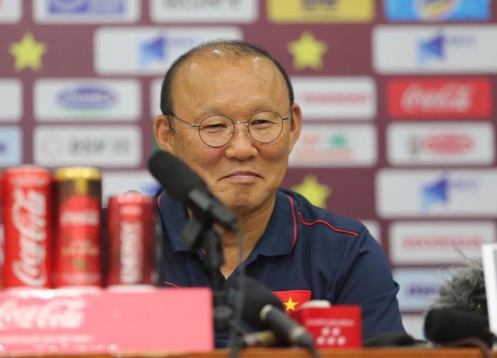 Báo Malaysia cho rằng thầy Park mới là người phải thận trọng trong cuộc đối đầu sắp tới.