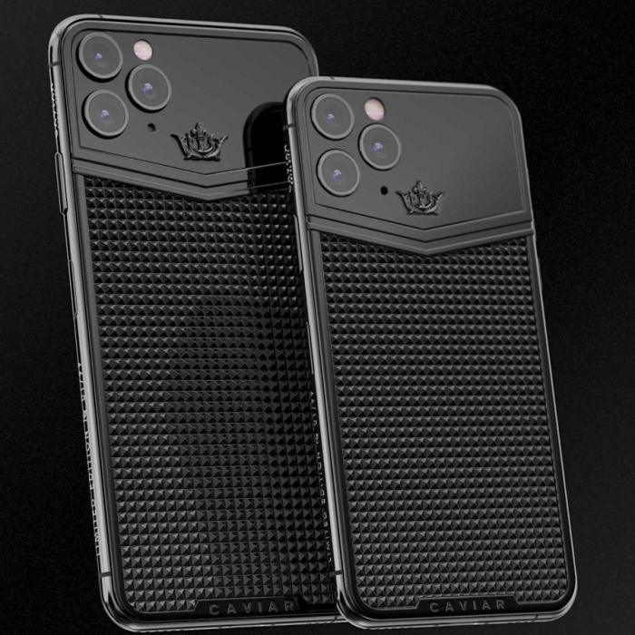 Nói về giá cả, phiên bản rẻ nhất là iPhone 11 Pro Victory Titanium với bộ nhớ trong 64 GB có giá 4.300 USD (khoảng 100 triệu đồng), được bán thông quatrang web toàn cầu của công ty. Nếu mua phiên bản bộ nhớ cao hơn thì giá sẽ tăng lên thêm.