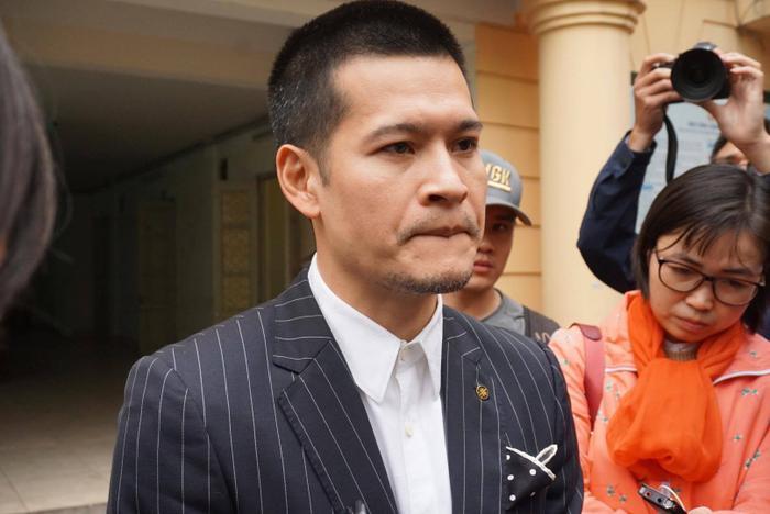 Ngày mai xét xử phúc thẩm vụ tranh chấp thực cảnh Tinh hoa Bắc Bộ là vở diễn phái sinh từ Thuở ấy xứ Đoài của đạo diễn Việt Tú.