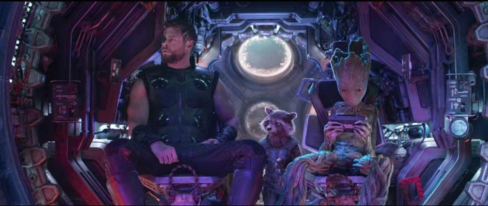 Thor cùng Rocket và Groot lên đường tìm Stormbreaker.