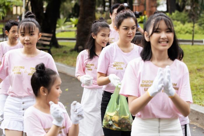 Nhìn lại hành trình tại The Voice Kids, Phạm Quỳnh Anh tâm sự, cô và huấn luyện viên Dương Khắc Linh đã học được từ các bé rất nhiều điều. Đó chính là tinh thần quyết liệt, bản lĩnh và tự tin đối với đam mê ca hát của mình.