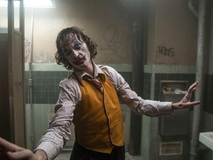 Joker trở thành phim nhãn R đầu tiên cán mốc 1 tỉ USD.