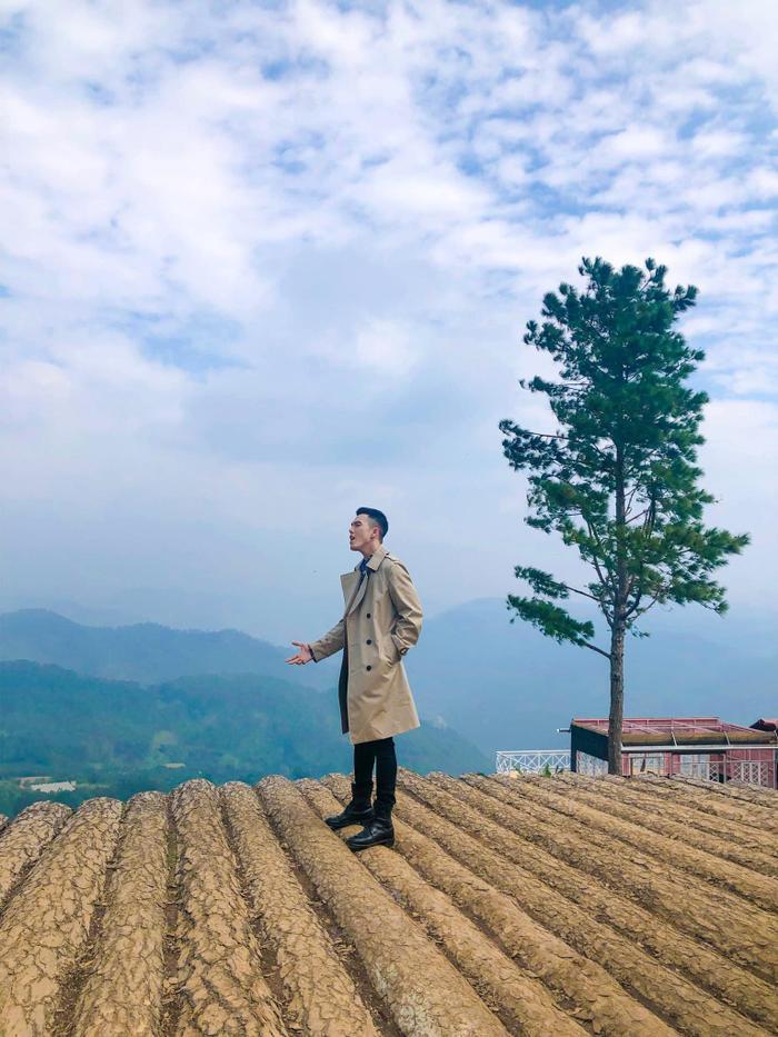 """Nguyễn Minh Châu sắp tung MV mới là một bản ballad buồn được đầu tư kỳ công, đánh dấu sự trở lại của """"hotboy"""" cover"""
