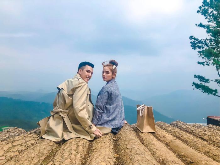 MV mới của Nguyễn Minh Châu lấy bối cảnh quay chính tại Đà Lạt, thành phố mộng mơ với những khung hình rất lạ