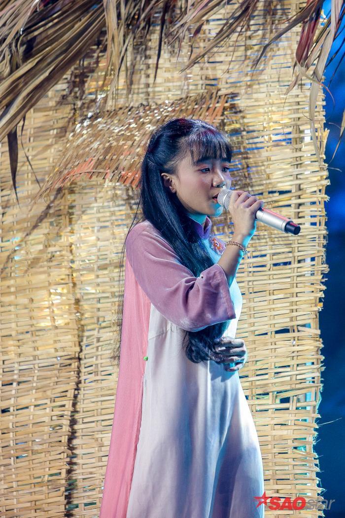 Quỳnh Anh hát sở trường Bolero Đêm mưa nhớ mẹ gây xúc động mạnh, HLV Lưu Thiên Hương đặc biệt khen ngợi ảnh 5