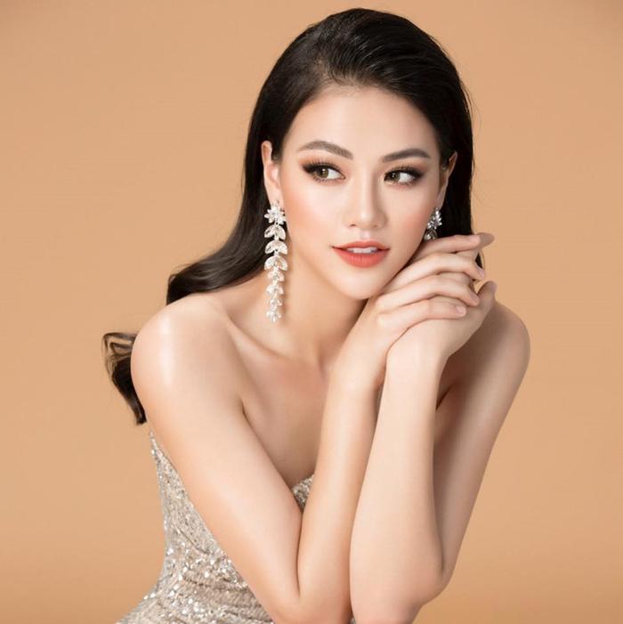 Phương Khánh từng giành HCB phần thi áo tắm tại Miss Earth 2019.