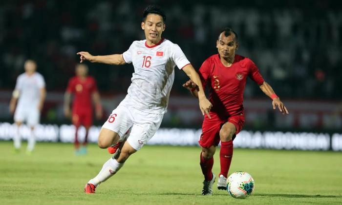 Đỗ Hùng Dũng thi đấu xuất sắc trong trận gặp Indonesia. Ảnh: Thethao247
