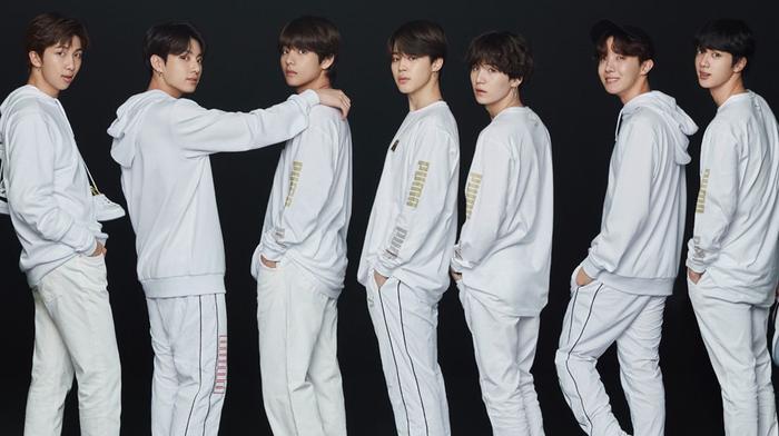 Chúc mừng BTS đã có được thành tích mới với DNA!