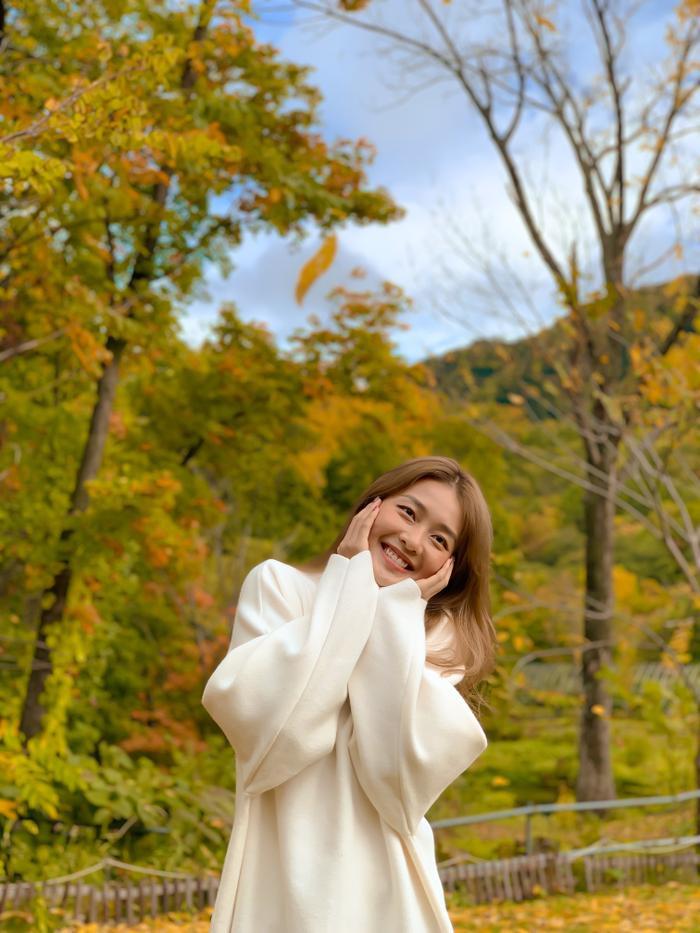 Khả Ngân hóa nàng thơ giữa cảnh sắc thiên nhiên đẹp đến nao lòng của Nhật Bản ảnh 4