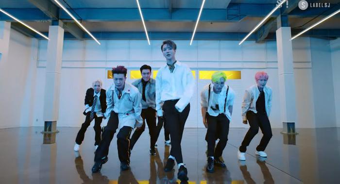 Các chàng trai Super Junior trong MV mới.