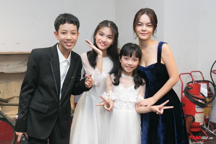 Đức Khôi hóa hoàng tử bên 3 nàng công chúa Bảo Hân  Linh Đan  Hồng Thúy tại đêm nhạc ý nghĩa ảnh 13
